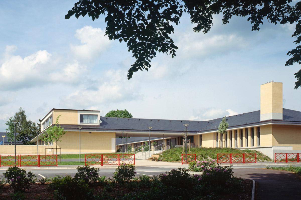 façade école peguy NOTRE-DAME-DE-GRAVENCHON